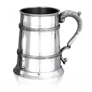 Engraved 1 Pint Celtic Band Pewter Tankard - Image 1