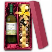 Personalised White Wine & Chocolates Gift Set